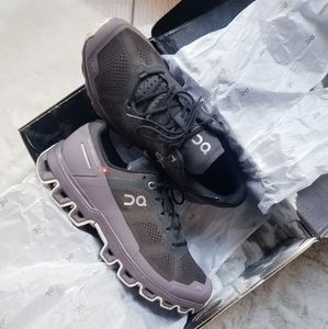 On Cloud Cloudventure Trail Running Shoes